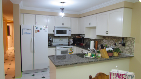 http://lcpainters.com/wp-content/uploads/2015/01/cabinet-painters-2-462x260.png