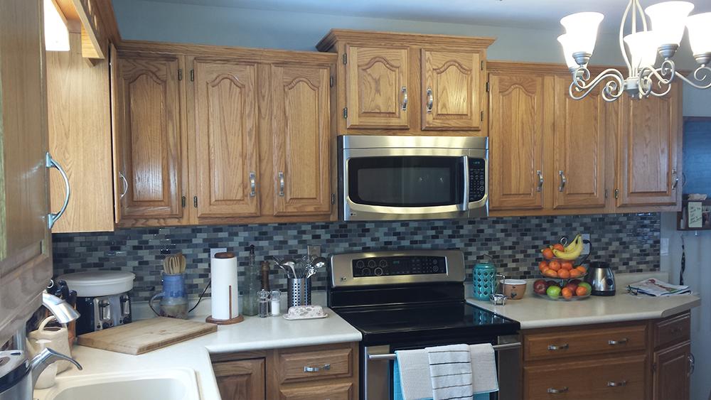 Cathedral oak cabinet kitchen 12 cedar kitchen cabinets for Cathedral style kitchen cabinets